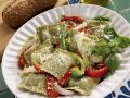 Green Ravioli with Peppers and Cheese recipe