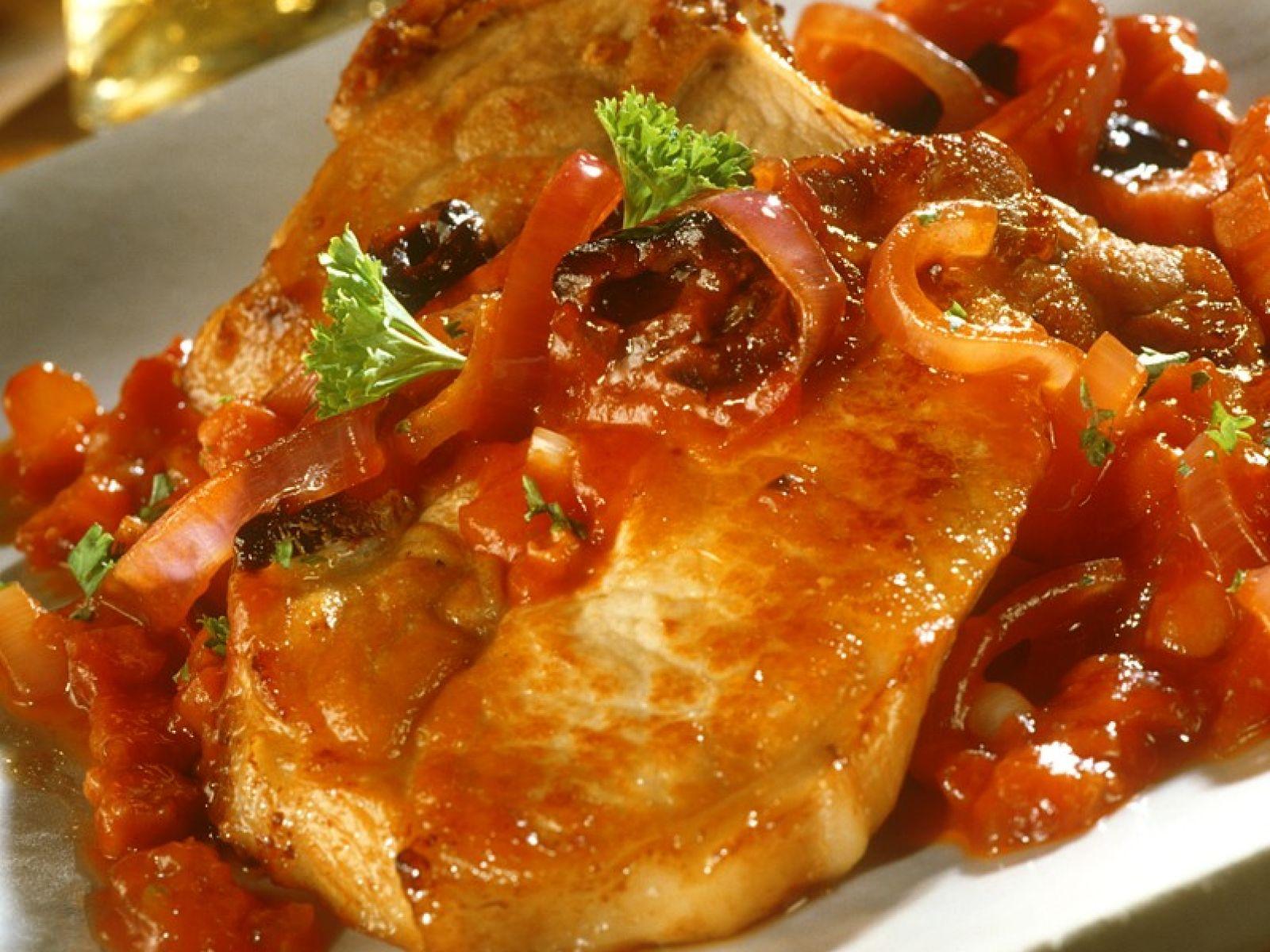 stuffed pork chops with tomato sauce Pork Chops in Tomato Sauce