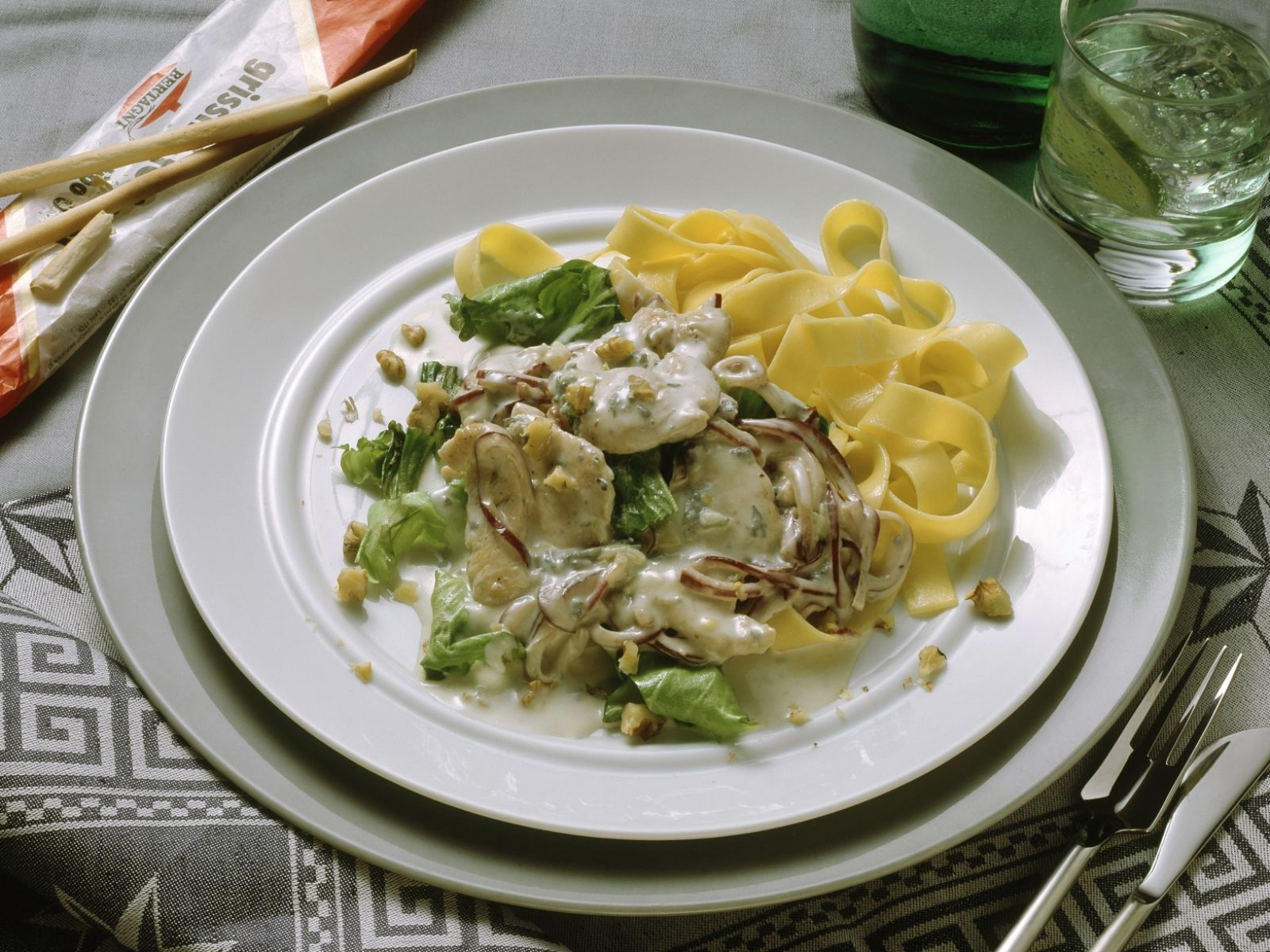 Turkey Breast With Pasta And Gorgonzola Sauce Recipe Eat Smarter Usa