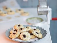 Almond Cookies with Cranberries and White Chocolate recipe