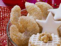 Almond-Honey Crescent Cookies recipe