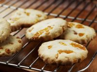 Apricot and Vanilla Cookies recipe