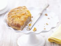 Apricot Cake with Almonds recipe