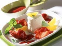 Apricot Parfait with Raspberry Sauce and Strawberries recipe