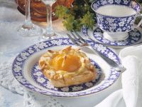 Apricot Pastries with Almonds
