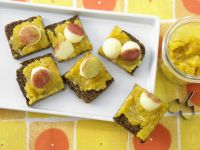 Apricot Spread with Almonds recipe