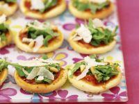 Arugula and Italian Cheese Rounds recipe