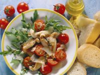 Arugula Salad with Chicken, Cherry Tomatoes and Parmesan recipe