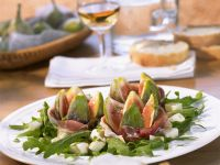 Arugula Salad with Prosciutto and Mozzarella recipe