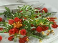 Arugula Salad with Raspberries recipe