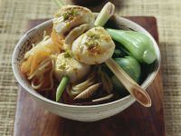 Asian Noodles with Spicy Scallop Skewers recipe