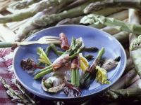 Asparagus and Bacon Parcels with Eggs recipe