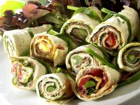 Asparagus and Prosciutto Wraps with Pepper Relish recipe
