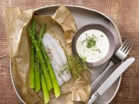 Asparagus on Fish with Dill Hollandaise recipe