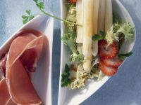 Asparagus Salad with Strawberries and Ham recipe