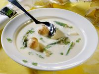Asparagus Soup with Cream Puff Croutons recipe
