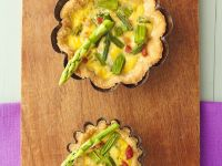 Green Spear and Pork Tartlets recipe