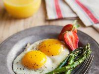 Asparagus with Fried Egg recipe