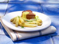 Asparagus with Herbed Hollandaise and Fillet Steak recipe