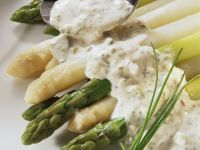 White and Green Asparagus with Tartar Sauce recipe