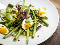 Bacon, Egg and Asparagus Salad recipe
