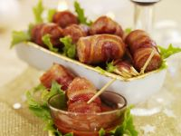 Bacon-Wrapped Sausages with Tomato Dipping Sauce recipe