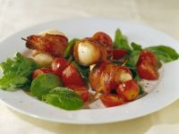 Bacon Wrapped Scallops with Salad recipe