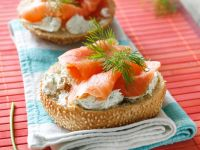 Bagels with Smoked Salmon recipe