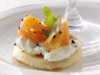 Bagels with Smoked Salmon and Cream Cheese recipe