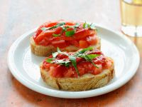Baguette Slices with Tomatoes and Basil recipe