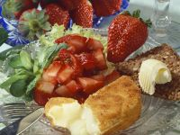 Baked Camembert with Strawberry Relish recipe
