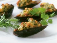 Baked Mussels with Herb Breadcrumbs