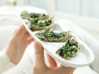 Baked Oysters a La Rockefeller recipe