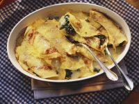 Cheese and Spinach-filled Crepes recipe