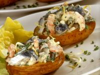 Jacket Potatoes Stuffed with Roll-mops and Prawns recipe