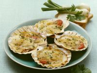 Baked Scallops with Breadcrumbs recipe