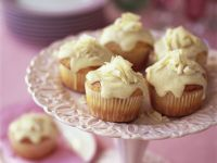 Banana Muffins with White Chocolate Topping recipe