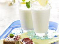 Banana Shake with Whole-Wheat Quark Toast recipe