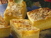 Honey Bee Gateau Slices recipe