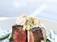 Beef Fillets with Crab Sauce and Asparagus recipe