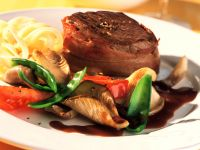 Beef Medallions with Vegetables recipe
