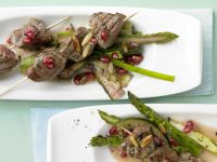 Beef Skewers with Green Asparagus recipe