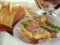 Steak En Croute with Gourmet Accompaniment recipe