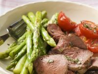 Beef with Asparagus and Tomatoes recipe