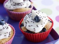 Berry Cakes with Topping recipe