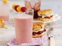 Berry Milkshake recipe