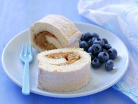 Biscuit Roulade with Fruit