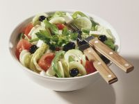 Black Olive and Pepper Salad recipe