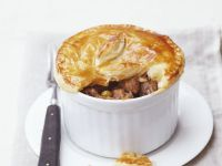 Braised Steak with Pastry Lid recipe