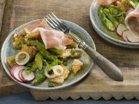 Bread Salad with Green Asparagus recipe